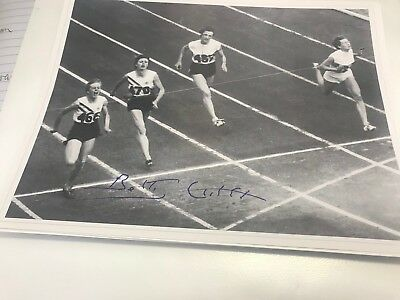 Betty Cuthbert Hand Signed 8 X 6 Inch Photo Black & White 4 Time Gold Medalist