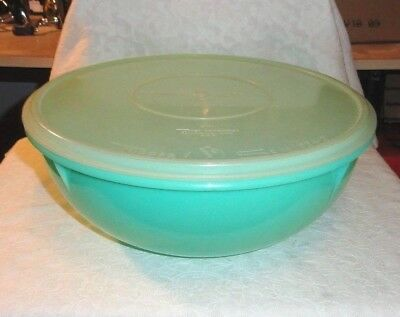 Large Jadeite Tupperware 26 Cup Fix N Mix Bowl #274 With Millionaire Sheer Seal