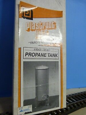 Plastruct O Scale Propane tank kit.
