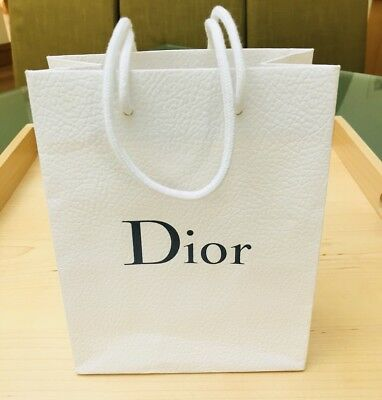 1 X Dior Small White Gift Bag. In Very Good Condition. Used.