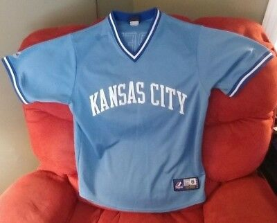 92eb07bc6b5 NWT MITCHELL   Ness Kansas City Royals Light Blue Cooperstown Jersey ...