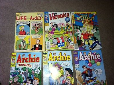 25 ARCHIE  BETTY JUGHEAD  etc COMIC BOOKS MIXED AGE 12c & UP FREE SHIPPING