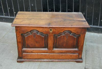 Antique C18th Welsh Oak Coffer Bach
