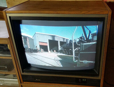 "Mitsubishi CS-2667R 26"" table TV 1986 with original manual and box!"