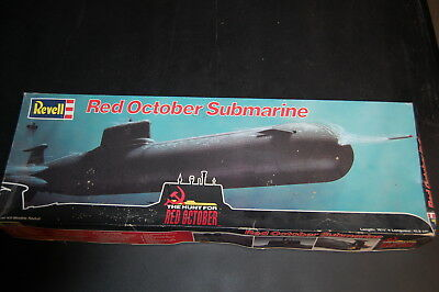 1/400 REVELL RED October Soviet Typhoon Class Russian Submarine new in open  Box
