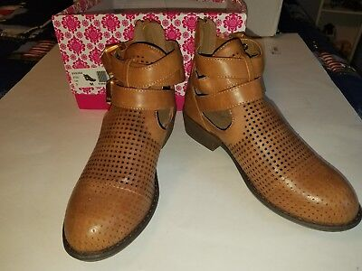 WANTED brand....tan ankle boots size 7 New in Box  cute cute!