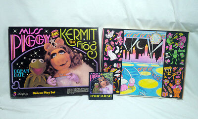 MINT! Miss Piggy & Kermit The Frog Deluxe Colorforms - 1981 - Vintage