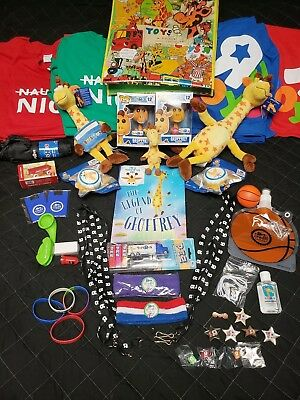 TOYS R US COLLECTION - Funko Flocked/Golden Ticket, Plush, Book, Pez, T-Shirts +