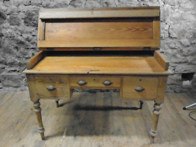 Pine Kneehole Writing Desk