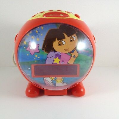 Dora The Explorer AM/FM Radio Alarm Clock Model DTE810