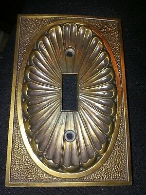 Vtg Amer. Tack & Hdwe 53T Ornate Floral Metal Single Toggle Plate Cover 1974