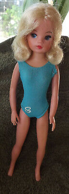 Vintage 1975 Pedigree Funtime Sindy (Ref 44679) with original swimsuit VGC