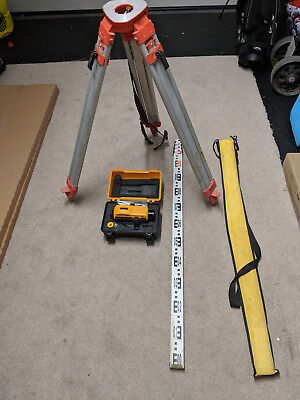 cst berger x 24 site level includes tripod and measuring staff