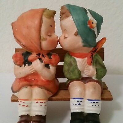 Napco Kissing Couple Bench S&P Shakers Japan Import