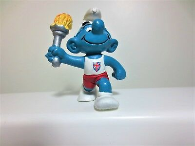 MINT condition smurf  olympic torch bearer for England  Uncommon LOOK #89