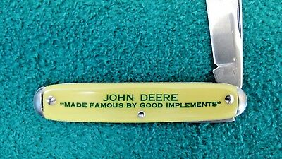 """JOHN DEERE Yellow Handled Folding Knife """"Made Famous by Good Implements"""" Rare"""