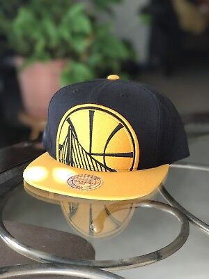 check out 8f511 184ef Golden State Warriors Mitchell   Ness NBA Custom XL Cropped Snapback Cap