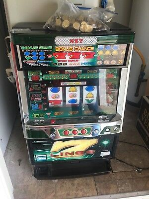 7 lines Slot Machine also includes coins