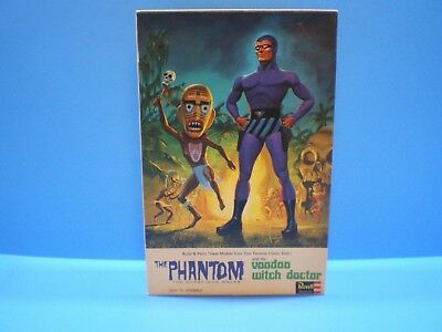 The Phantom & Voodoo Witch doctor Model Kit # 1451 original 1965 by REVELL
