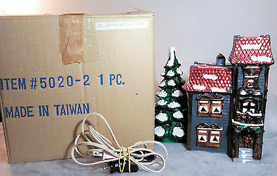Dept. 56 Snow Village Centennial House #5020-2 (1982-84) Excellent IOB with Cord
