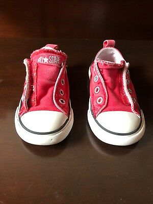 64192da37cb8 Toddler Red Converse All Star Low-Top Velcro Sneakers Chucks. Size  6