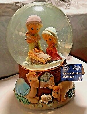 2009 Precious Moments100mm Musical Waterball 501648 Manger Scene with Baby Jesus