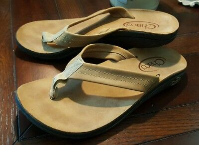 e8d5083428b3 Chaco Womens Eclipse Tan Leather Flip Flops Thongs Sandals Size 7 Vibram  Sole