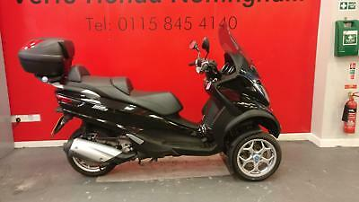 PIAGGIO MP3 300ie BUSINESS EDITION ONLY 1769 MILES ON THE CLOCK