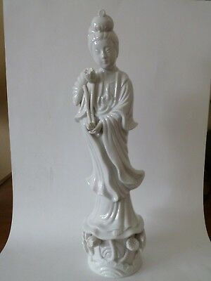 Japanese Porcelain Gaun Yin Statue, Perfect Condition.