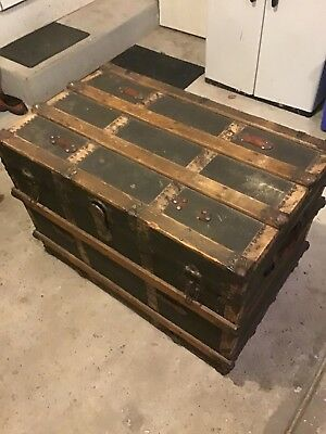 Antique Steamer Trunk Wood & Metal Chest 34x23x20 Inch in Size Old Fashion