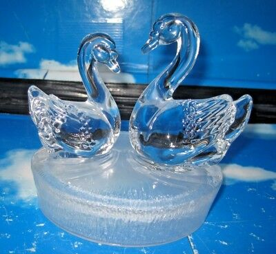 Beautiful Glass Paperweight / Ornament with a Pair of Swans