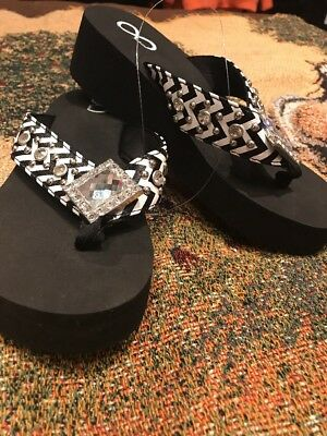 c3468ba81e402 Bling Flip Flops Rhinestone Infinity Cushion Ladies Sandals Size 9 MSRP  50