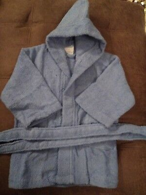 Baby towelling robe in baby blue 2 to 3 yrs lovely and soft great for bath time,