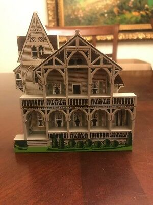Shelia's Collectible Houses 1996 CLARK HOUSE Branford Connecticut
