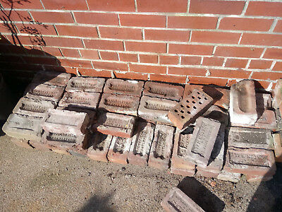50 x RECLAIMED RED TERRACE HOUSE BRICKS - WEST YORKSHIRE (CASTLEFORD)
