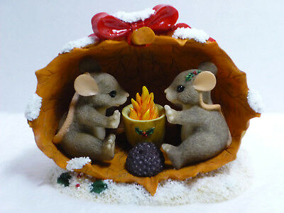 CHARMING TAILS - Sharing A Warm And Cozy Holiday