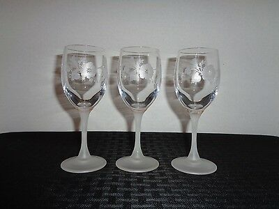 "AVON ""HUMMING BIRD"" Champagne Flutes with Frosted Stem 24% Lead Crystal ~ FRANCE"