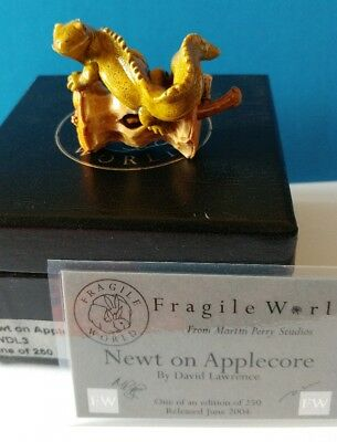 Harmony Kingdom Martin Perry's Fragile World Newt on Applecore 2004 Limited