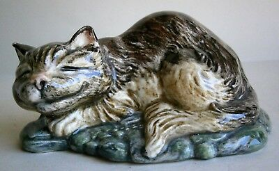 Beswick Alice in Wonderland Cheshire Cat Figurine by Royal Doulton