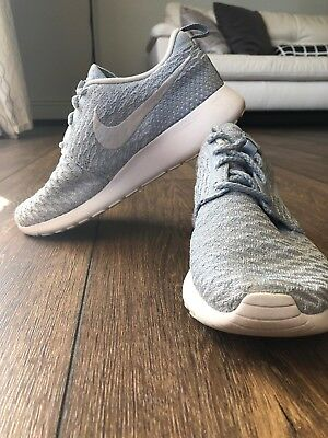 a9bf5b3ec4b6 NIKE WOMENS ROSHE Run One Flyknit Shoes - Size 7 -  34.99