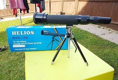 HELIOS 15-45x50mm ZOOM TELESCOPE SPOTTING SCOPE WITH TRIPOD BOXED.