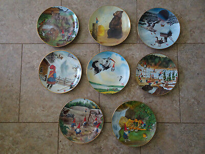 """Gnome Collector Plate Set  - """"SECRETS OF THE GNOMES"""" 1986 by Rien Poortvliet"""