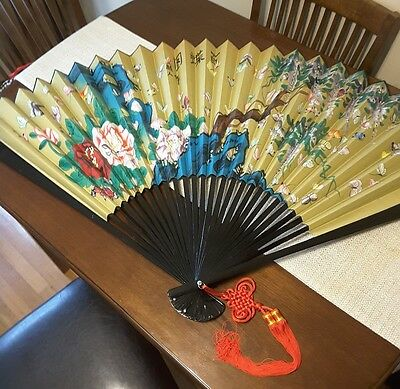 """BEAUTIFUL HAND-PAINTED '100 BUTTERFLIES' ANTIQUE CHINESE FAN - 36"""" New in box"""