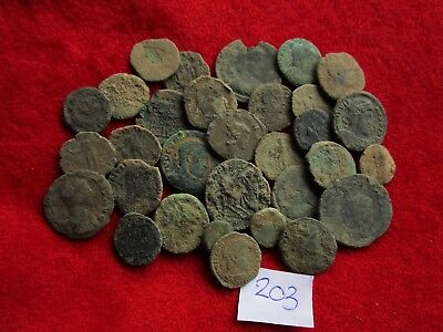 Ancient Roman coins - UNCLEANED COINS - Beautiful . Lot with 30 pieces .No.203