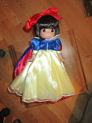 "Snow White - Precious Moments 12"" Vinyl Doll"