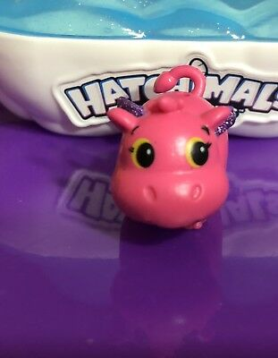 Hatchimals CollEGGtibles Magenta And Teal Ultra Rare Hiphatch.