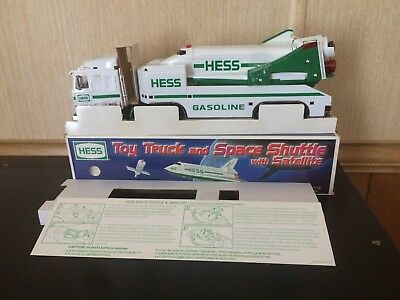 1999 Hess Toy Truck & Space Shuttle W/satellite In New Cond. W/minor Box Issue