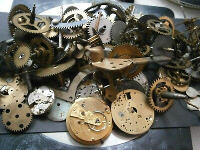 Job lot 400g vintage clock parts cogs gears watch wheels- steampunk craft spares
