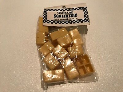 Scalextic A205 12 Hay Bails New Old Stock In Original Packaging.