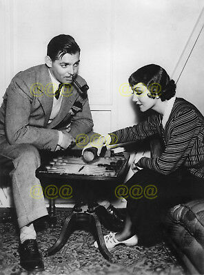 Photo - Claudette Colbert & Clark Gable play backgammon at Columbia Studios 1933
